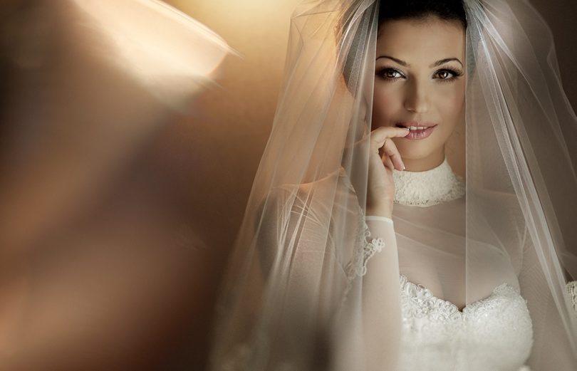 невеста в белом платье и фате