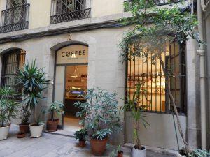 фасад кофейни в Барселоне