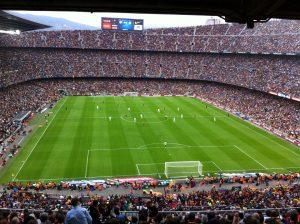 матч на футбольном стадионе ФК Барселона