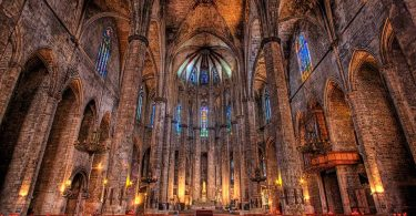 Кафедральный собор Барселоны изнутри