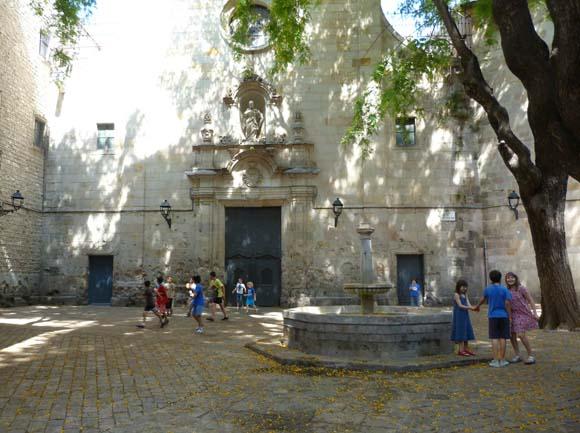 площадь Филипп Нери в Барселоне