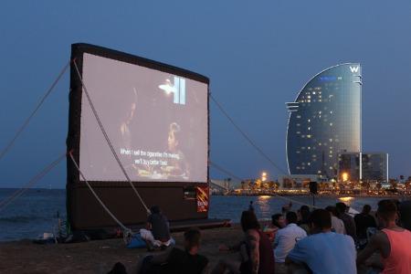 кино на открытом воздухе в Барселоне