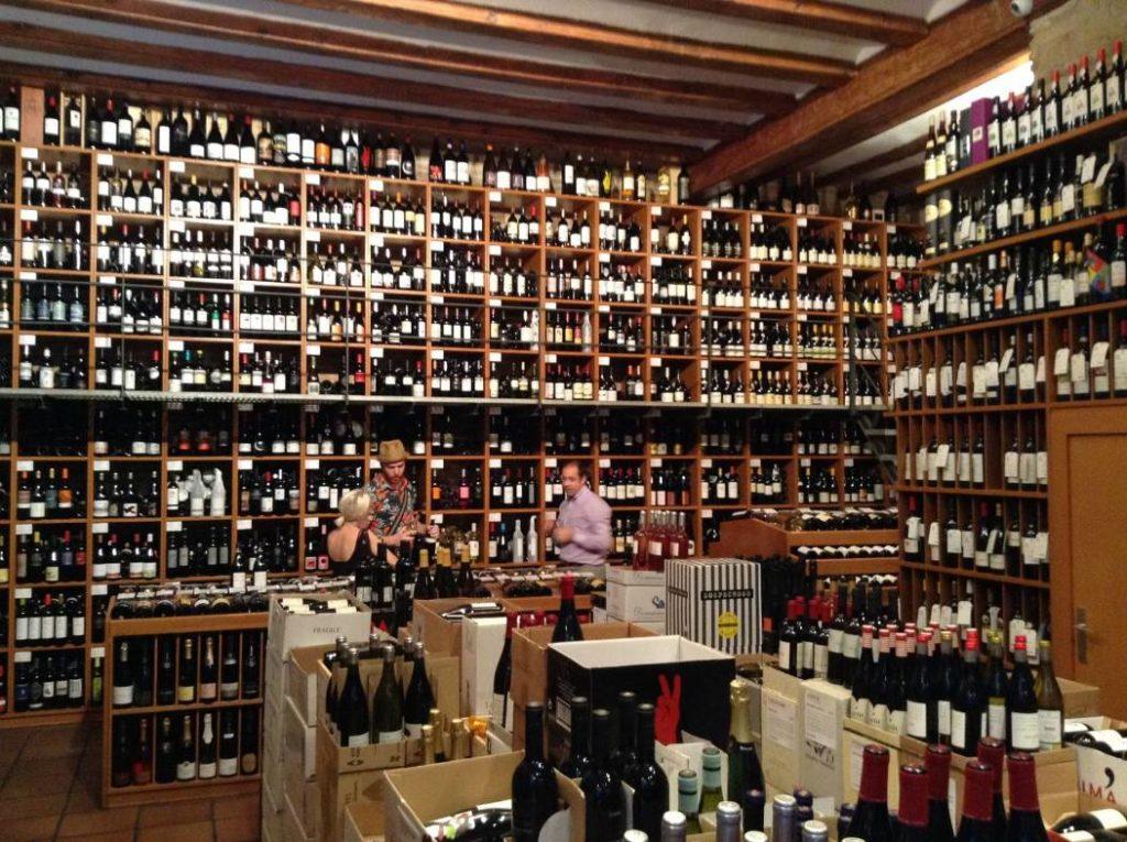 винный бутик в Барселоне