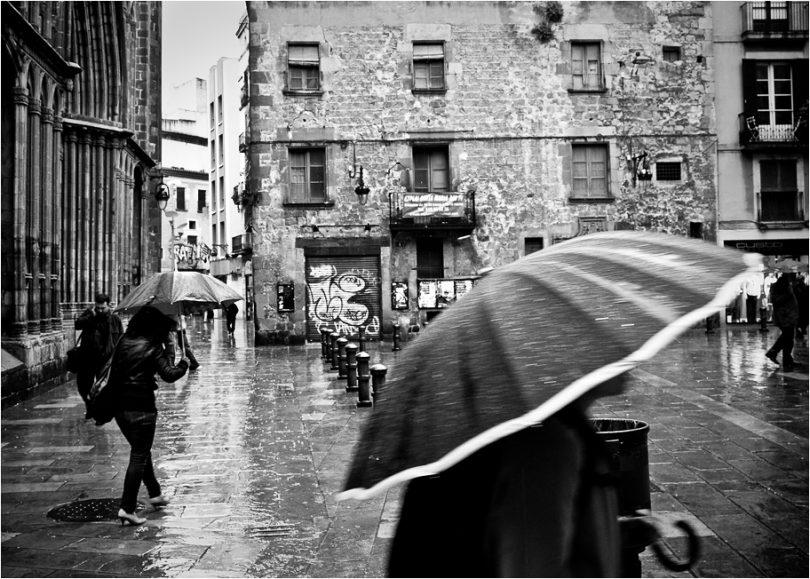 дождливый день в Барселоне, дождь в Барселоне