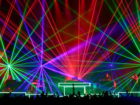 лазерное шоу на фестивале Сонар в Барселоне