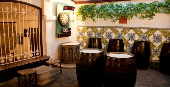Ovella-Negra-carrer-Sitges-8-565x290
