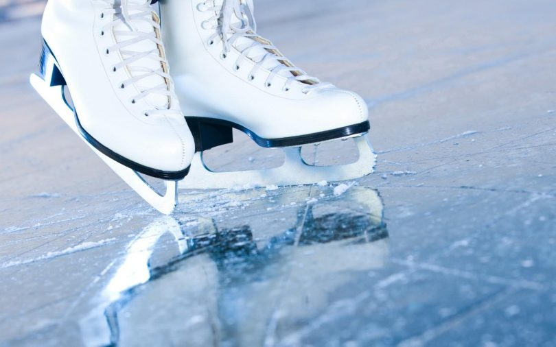 коньки на льду