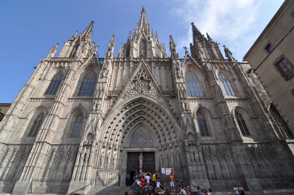 Кафедральный-собор-Барселона