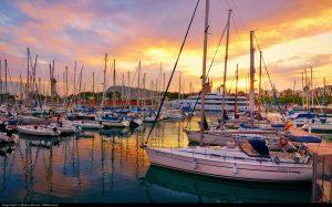 яхты в порту во время закате