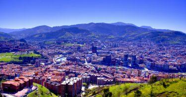 вид на Бильбао со смотровой площадки