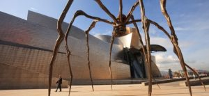 скульптура паука в Бильбао