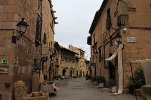 улица Испанской деревни в Барселоне