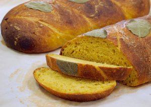 две буханки хлеба