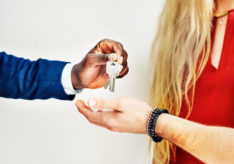 Как правильно съехать с арендованной квартиры?