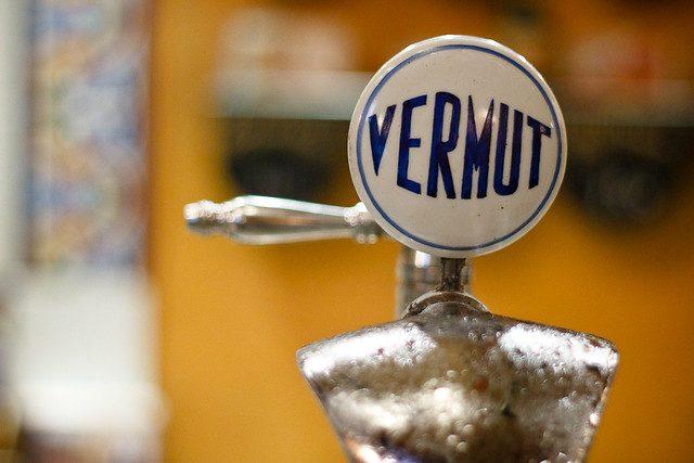 разливной кран напитка вермут