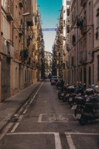 улица в квартале Барселонета в Барселоне