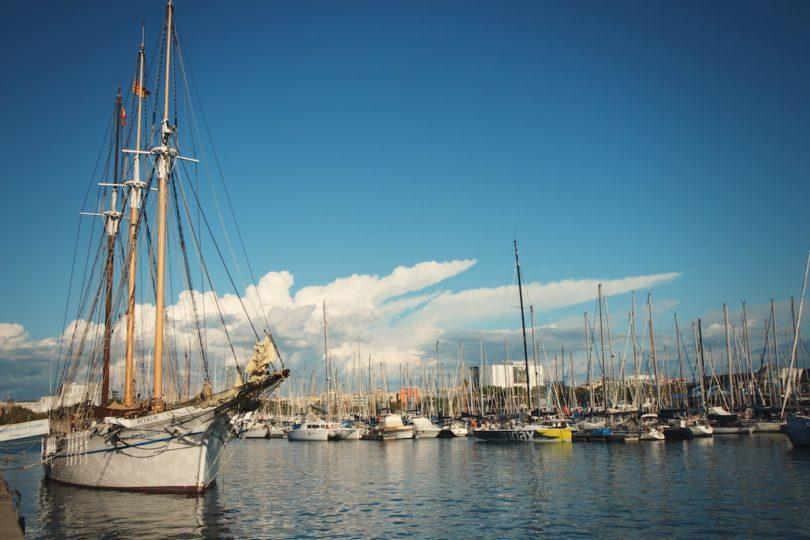 вид на порт Барселоны