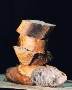 нарезанный хлеб