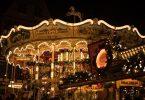 карусель на рождественской ярмарке