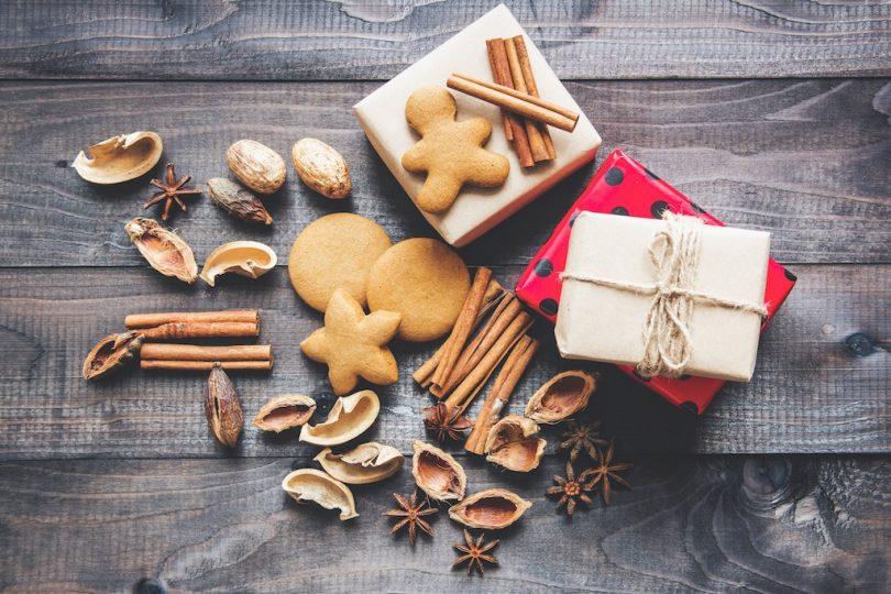 рождественские подарки и конфеты