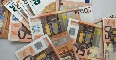 купюры номиналом 50 евро
