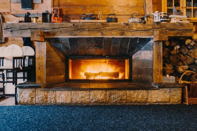камин с огнем